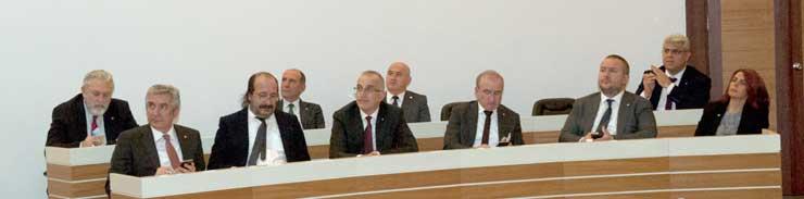 İSO Meclisi'nde Bilim ve Teknoloji Işığında Geleceğin İş ve Üretim Anlayışı Konuşuldu 02