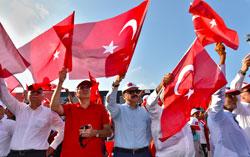 Yüzbinler, Albayrak'larıyla Demokrasi ve Şehitler Mitingi için Yenikapı'da Buluştu 07
