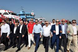 Yüzbinler, Albayrak'larıyla Demokrasi ve Şehitler Mitingi için Yenikapı'da Buluştu 09