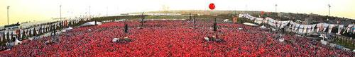 Yüzbinler, Albayrak'larıyla Demokrasi ve Şehitler Mitingi için Yenikapı'da Buluştu 08