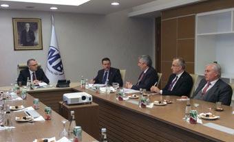 İSO Yönetim Kurulu ve Meclis Başkanlık Divanı Üyeleri Maliye Bakanı Ağbal'ı Ziyaret Etti