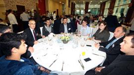Sanayiciler, İstanbul Sanayi Odası Vakfı'nın Bursiyerleri ile Buluştu 02