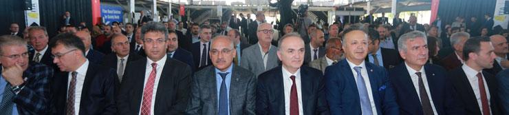 Türkiye'nin Tekstil ve Hazır Giyimdeki İlk AR-GE ve İnovasyon Merkezi Açıldı