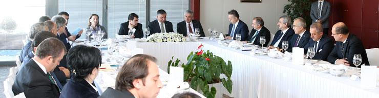 Milli Eğitim Bakanı Dr. İsmet Yılmaz, İstanbul Sanayi Odası'nı Ziyaret Etti 01