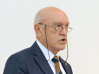 Sağlık ve Turizm Eski Bakanı Bülent Akarcalı