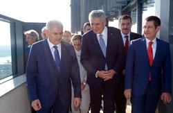 Başbakan Binali Yıldırım, Yenilenen Odakule'yi Açarak İSO Meclisi'ne Katıldı 06