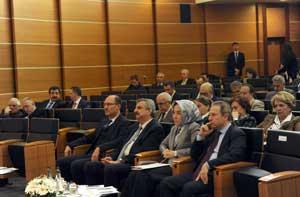 İSO'nun Kasım Ayı Meclis Toplantısında Dünya ve Türkiye Ekonomisi Konuşuldu 02