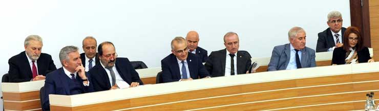 İSO Meclisi'nin Mart Ayı Toplantısında Yönetimin 5 Yıllık Faaliyetleri Değerlendirildi 06