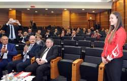 İSO Meclisi'nin Mart Ayı Toplantısında Yönetimin 5 Yıllık Faaliyetleri Değerlendirildi 05
