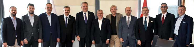 Mimar ve Mühendisler Grubu Yönetimi İSO Başkanı Erdal Bahçıvan'ı Ziyaret etti
