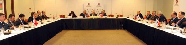 """İSO, Sanayi Bakanı Özlü ve Sanayicilerin Katılımı ile """"Otomotiv Çalıştayı"""" Düzenledi"""