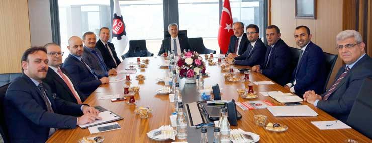 Plastik Sanayicileri İSO Başkanı Erdal Bahçıvan'ı Ziyaret Etti 02