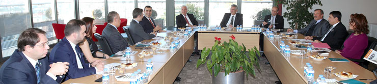 PAGEV Yönetim Kurulu Üyeleri İSO Başkanı Erdal Bahçıvan'ı Ziyaret Etti 03