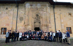 Divriği'nin 800 Yıllık Ulu Camisi Tarihe Meydan Okuyor 05
