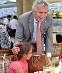 Erdal Bahçıvan, Hayallerinin Peşinden İstanbul'a Gelen Somalı Çocuklarla Buluştu