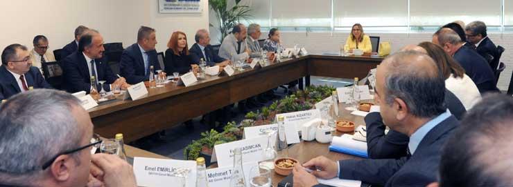 Ticaret Bakanı Ruhsar Pekcan'ı Ziyaret Etti 02