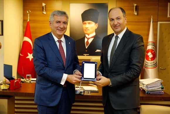 İSO Başkanı Bahçıvan İstanbul Bölge  İdare Mahkemesi Başkanı Yılmaz'ı Ziyaret Etti