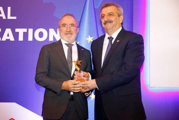 İstanbul'da Yapılan Uluslararası Standardizasyon Zirvesi'nde İSO'ya Ödül