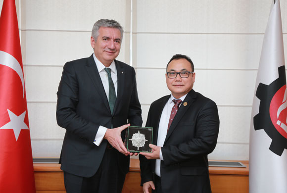 Sudradjat, Consul General of Indonesia to Istanbul Pays a Visit to ICI Chairman Bahçıvan