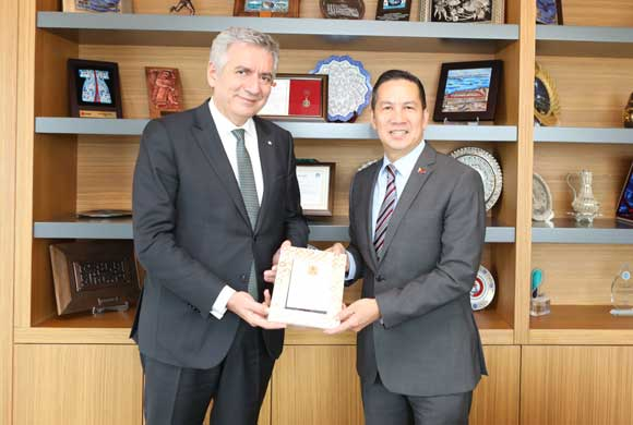Hernandez, Ankara Ambassador of The Philippines Visited Erdal Bahçıvan, ICI Chairperson