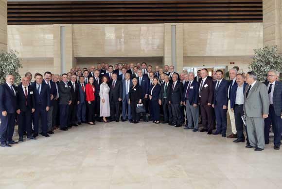 İSO Gaziantep Seyahatinde Gaziantep Sanayi Odası İle Ortak Meclis Toplantısı Yaptı