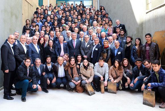 Sanayiciler, İstanbul Sanayi Odası Vakfı'nın Bursiyerleri ile Buluştu