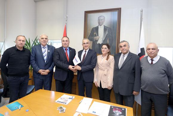 Kosova İş Adamları Birliği Heyeti İstanbul Sanayi Odası'nı Ziyaret Etti