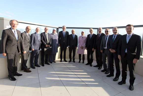 AK Parti Genel Başkan Yardımcısı ve Ekonomi İşleri Başkanı Lütfi Elvan, İSO Yönetim Kurulu Üyeleri ile Bir Araya Geldi