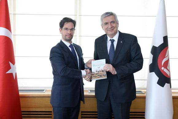 Macaristan Başkonsolosu Hendrich İSO Başkanı Bahçıvan'ı Ziyaret Etti