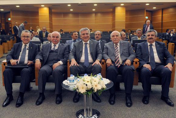 """İSO Haziran Meclisi'nde """"Türkiye'nin 500 Büyük Sanayi Kuruluşu"""" Konuşuldu"""