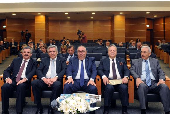"""Bahçıvan: """"Yeni Ekonomik Hikaye İçin Eximbank Destekleri Çok Önemli"""""""