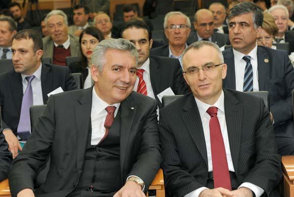 """MESKOM'a Konuk Olan Maliye Bakanı Naci Ağbal, Umut Verdi: """"Vergi Yükünde Düzenlemelere Gideceğiz"""""""