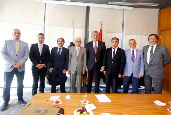 Oluklu Mukavva Sanayicileri Derneği İSO Başkanı Bahçıvan'ı Ziyaret Etti