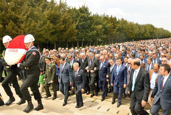 TOBB'un 71. Mali Genel Kurulu, Üyelerin Anıtkabir'i Ziyaretiyle Başladı