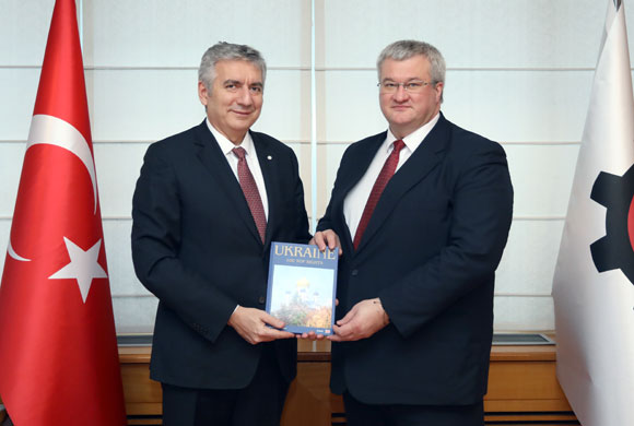 Ukrayna Büyükelçisi Andrii Sybiha'dan İSO Başkanı Bahçıvan'a Nezaket Ziyareti